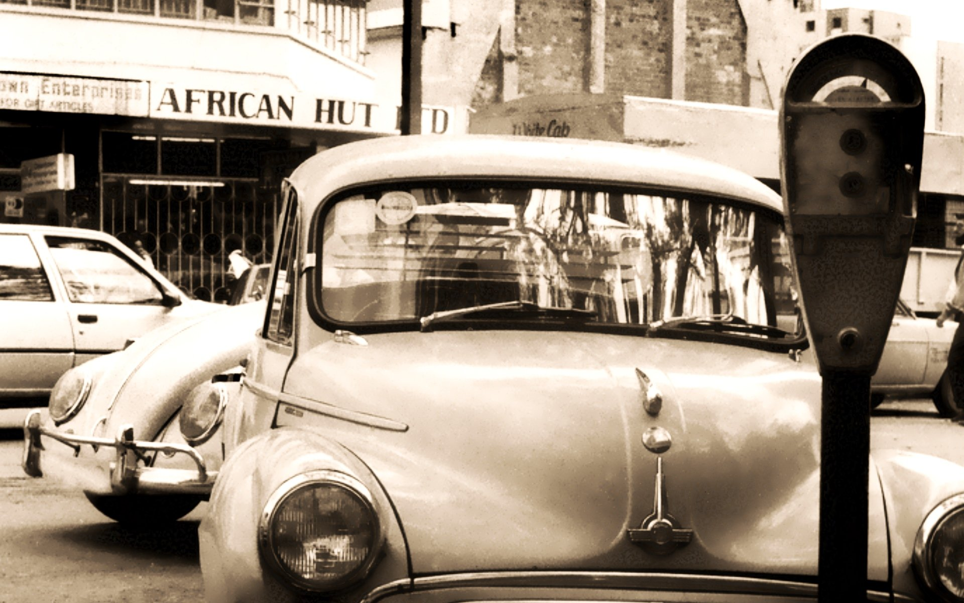 Parking metres were a common feature in the city of Nairobi in a past not too old. Now not one is left. There are plans to reintroduce them again as parking becomes a huge county challenge. Photo courtesy of David Blumenkrantz.