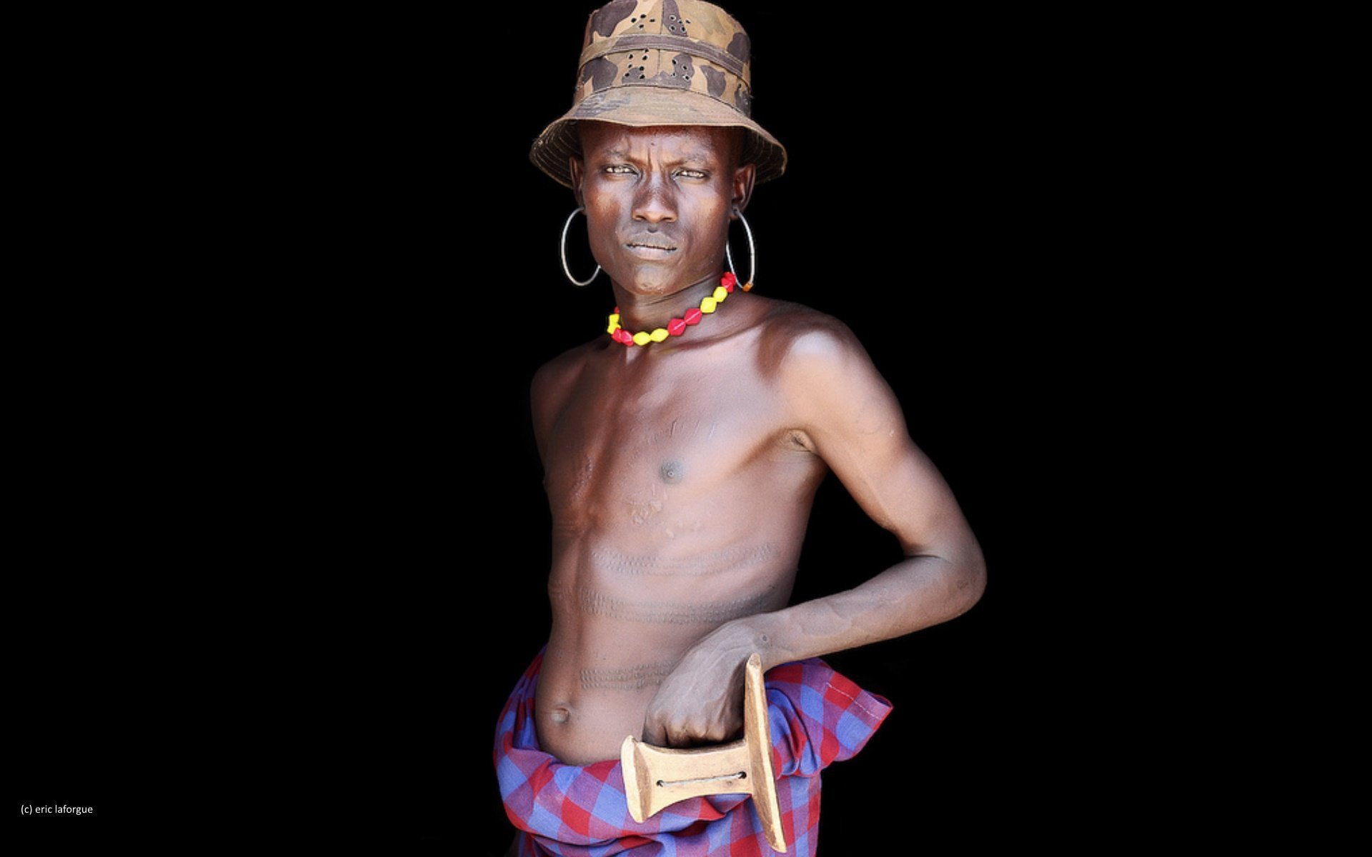 Today the El Molo live in small villages onthe southeastern shoreof lake Turkana.