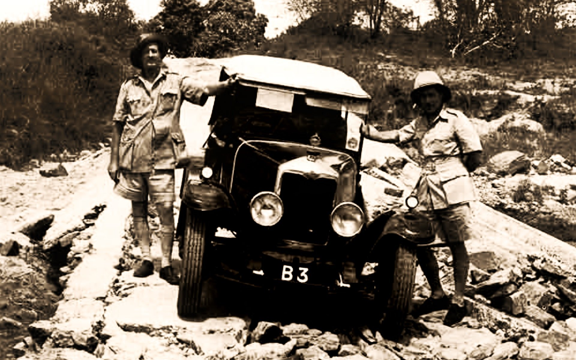 Galton and Captain Gethin in 1926 with the Riley 12/50 from the Riley Motor Car Co. Ltd. of Coventry which he used to make the maiden drive from Nairobi to Mombasa and back.