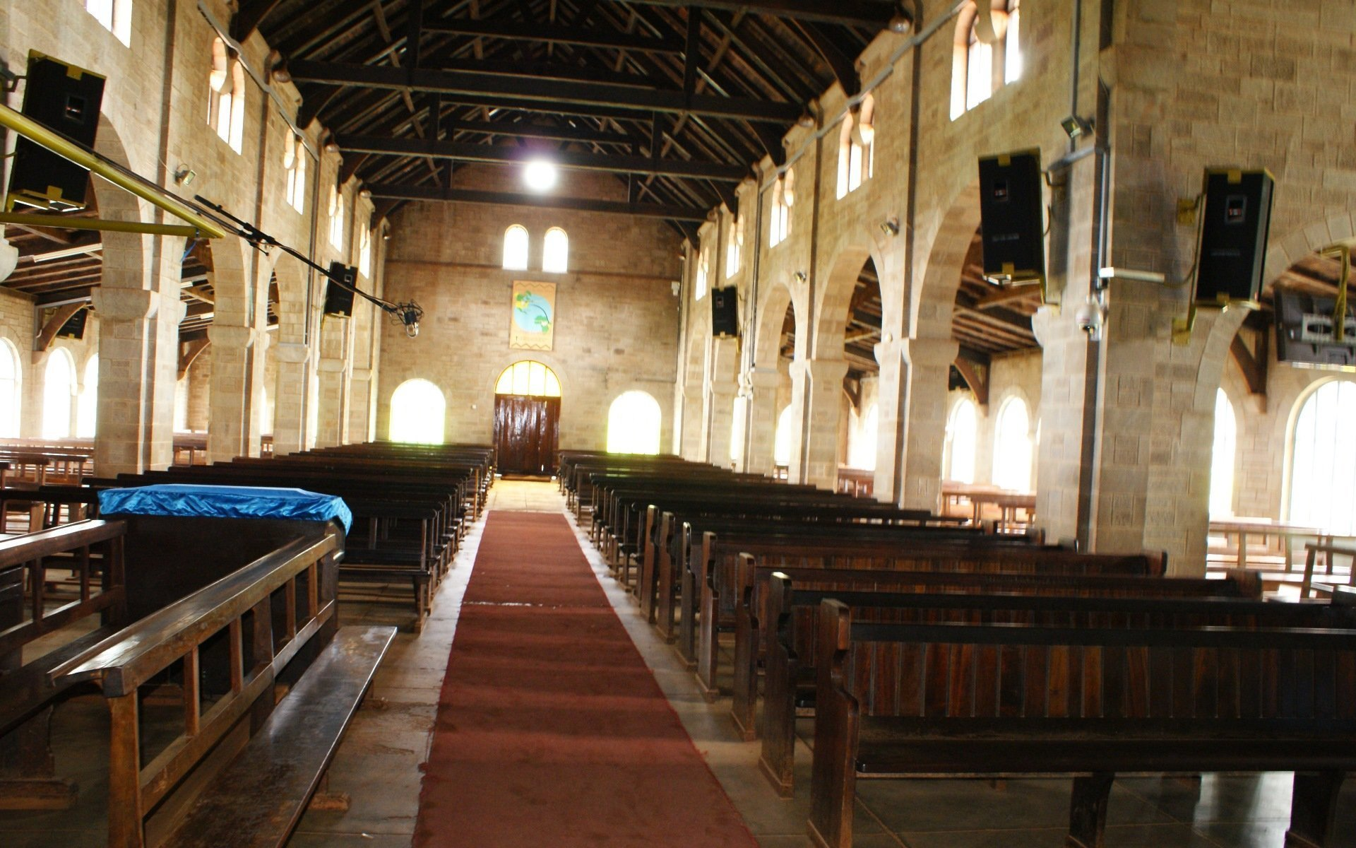 Laid out in a traditional cruciform shape with a triple aisle nave, transept and apse, the Church of the Torch rivals many modern buildings in grandeur and precision.