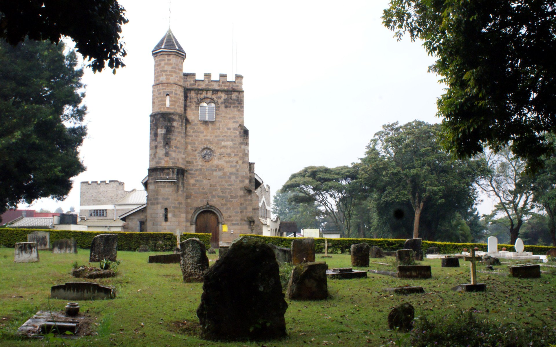 A well-kept graveyard stands next to the All Saints Church Limuru, a testimony to those bygone days when the cockney Pearly Kings and Queens ruled and left the countryside of Tigoni. Some noticeable graves include those of the Leakey and McDonell family.